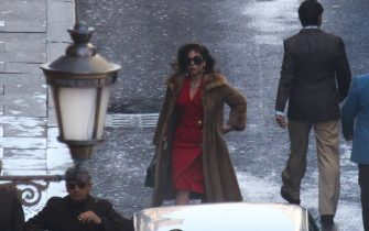 BGUK_2094001 - roma, ITALY  - The American Actors Lady Gaga and Al Pacino are spotted on set filming the new Ridley Scott film 'House of Gucci' out in Rome  Pictured: Lady Gaga  BACKGRID UK 22 MARCH 2021   BYLINE MUST READ: Cobra Team / BACKGRID  UK: +44 208 344 2007 / uksales@backgrid.com  USA: +1 310 798 9111 / usasales@backgrid.com  *UK Clients - Pictures Containing Children Please Pixelate Face Prior To Publication*