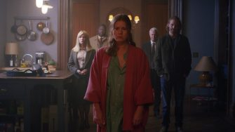 Woman in the Window (2021), L to R: Jennifer Jason Leigh as Jane Russell, Brian Tyree Henry as Detective Little, Amy Adams as Anna Fox, Gary Oldman as Alistair Russell, and Wyatt Russell as David.