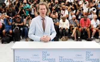 epa09341985 Wes Anderson poses during the photocall for 'The French Dispatch' at the 74th annual Cannes Film Festival, in Cannes, France, 13 July 2021. The movie is presented in the Official Competition of the festival which runs from 06 to 17 July.  EPA/SEBASTIEN NOGIER