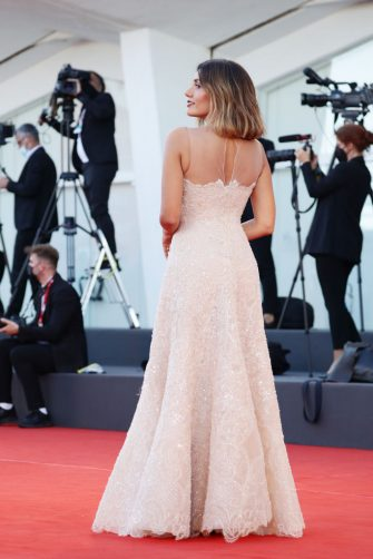 """VENICE, ITALY - SEPTEMBER 01: Festival patroness Serena Rossi  attends the red carpet of the movie """"Madres Paralelas"""" during the 78th Venice International Film Festival on September 01, 2021 in Venice, Italy. (Photo by Vittorio Zunino Celotto/Getty Images)"""