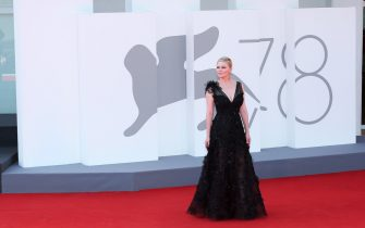 """VENICE, ITALY - SEPTEMBER 02:  Kirsten Dunst attends the red carpet of the movie """"The Power Of The Dog"""" during the 78th Venice International Film Festival on September 02, 2021 in Venice, Italy. (Photo by Ernesto Ruscio/Getty Images)"""