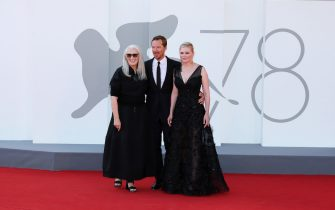 """VENICE, ITALY - SEPTEMBER 02: Kirsten Dunst, Director Jane Campion and Benedict Cumberbatch attend the red carpet of the movie """"The Power Of The Dog"""" during the 78th Venice International Film Festival on September 02, 2021 in Venice, Italy. (Photo by Ernesto Ruscio/Getty Images)"""