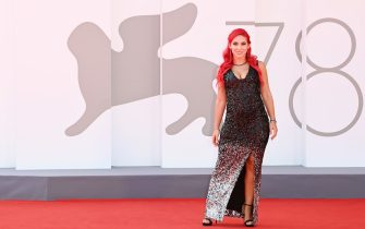 """VENICE, ITALY - SEPTEMBER 02: Antonella Arpa aka Himorta attends the red carpet of the movie """"The Power Of The Dog"""" during the 78th Venice International Film Festival on September 02, 2021 in Venice, Italy. (Photo by Daniele Venturelli/WireImage)"""