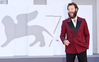 """VENICE, ITALY - SEPTEMBER 02: Alessandro Borghi attends the red carpet of the movie """"The Hand Of God"""" during the 78th Venice International Film Festival on September 02, 2021 in Venice, Italy. (Photo by Daniele Venturelli/WireImage)"""