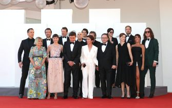 """VENICE, ITALY - SEPTEMBER 09: Cast and crew of the movie """"Leave No Traces"""" attends the red carpet of the movie """"Leave No Traces"""" during the 78th Venice International Film Festival on September 09, 2021 in Venice, Italy. (Photo by Marc Piasecki/Getty Images)"""