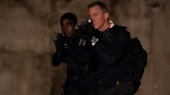 B25_20666_RC2Lashana Lynch stars as Nomi and Daniel Craig as James Bond inNO TIME TO DIE, an EON Productions and Metro-Goldwyn-Mayer Studios filmCredit: Nicola Dove© 2021 DANJAQ, LLC AND MGM.  ALL RIGHTS RESERVED.