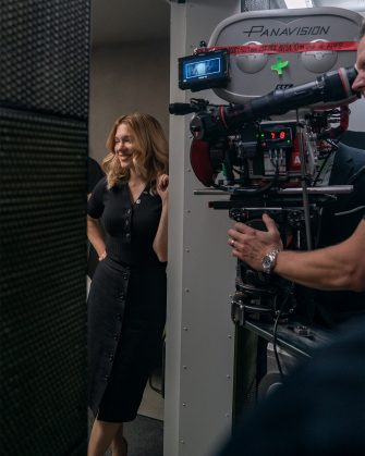 B25_16359_RCLéa Seydoux (Dr. Madeleine Swann) on the set of NO TIME TO DIE, an EON Productions and Metro-Goldwyn-Mayer Studios filmCredit: Nicola Dove© 2021 DANJAQ, LLC AND MGM.  ALL RIGHTS RESERVED.