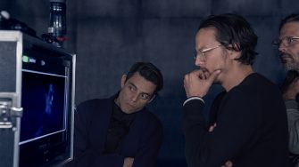 B25_27641_R3Rami Malek (Safin), director Cary Joji Fukunaga and cinematographer Linus Sandgren on the set ofNO TIME TO DIE, an EON Productions and Metro-Goldwyn-Mayer Studios filmCredit: Nicola Dove© 2021 DANJAQ, LLC AND MGM.  ALL RIGHTS RESERVED.