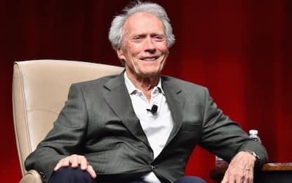 Clint Eastwood vince 6,1 milioni in causa contro truffatori online