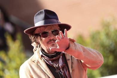 Festa del Cinema di Roma 2021, Johnny Depp sul Red Carpet. FOTO