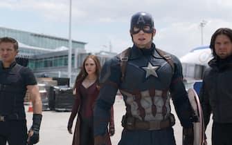 Chris Evans durante le riprese di Captain America: Civil War, con la regia di Anthony e Joe Russo