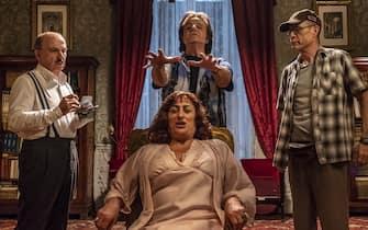 foto di scena film Sono Solo fantasmi regia Christian De Sica per Indiana Production