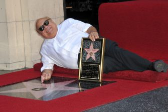 Los Angeles, Danny DeVito riceve la sua stella sulla Walk of Fame di Hollywood. (HOLLYWOOD - 2011-08-19, Tony DiMaio/Startraks / IPA) p.s. la foto e' utilizzabile nel rispetto del contesto in cui e' stata scattata, e senza intento diffamatorio del decoro delle persone rappresentate