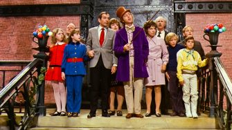 USA. Gene Wilder, Paris Themmen, Julie Dawn Cole, Nora Denney, Roy Kinnear, Ursula Reit,  Peter Ostrum, Michael Bollner, Jack Albertson ,  Denise Nickerson  and Leonard Stone  in a scene from (C)Paramount Pictures film: Willy Wonka & the Chocolate Factory (1971).Plot: A poor but hopeful boy seeks one of the five coveted golden tickets that will send him on a tour of Willy Wonka's mysterious chocolate factory. Ref: LMK110-J7153-020621Supplied by LMKMEDIA. Editorial Only.Landmark Media is not the copyright owner of these Film or TV stills but provides a service only for recognised Media outl
