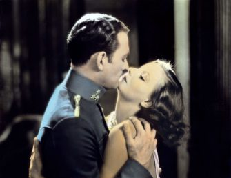 Kino. Mysterious Lady, aka: Der Krieg im Dunkeln, USA, 1928, Regie: Fred Niblo, Darsteller: Greta Garbo, Conrad Nagel. (Photo by FilmPublicityArchive/United Archives via Getty Images)