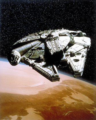 MILLENNIUM FALCON STAR WARS; STAR WARS: EPISODE IV - A NEW HOPE (1977)