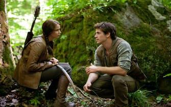 Katniss Everdeen (Jennifer Lawrence) und ihr Jagdpartner Gale Hawthorne (Liam Hemsworth)