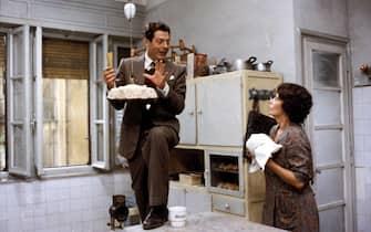 Sophia Loren e Marcello Mastroianni durante una scena del film Una giornata particolare del 1977