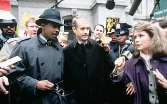 Tom Hanks e Denzel Washington durante una scena del film Philadelphia del 1993