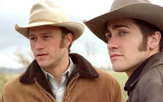 Heath Ledger e Jake Gyllenhaal durante una scena del film I segreti di Brokeback Mountain del 2005