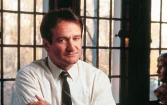 Robin Williams interpreta il professor Keating nel film L'attimo fuggente