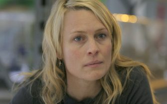 Pictured: Liv (ROBIN WRIGHT PENN) in a scene from BREAKING AND ENTERING, directed by Anthony Minghella. Distributed by Buena Vista International.