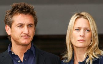 """Sean Penn and his wife Robin Wright-Penn pictured at The Sheraton Grand Hotel, Edinburgh today ( Thursday 23/8/01). His new film """"The Pledge"""" is being premiered tonight at the cities UGC cinema as part of The Edinburgh International Film Festival. Penn directs the film in which his wife stars."""