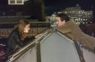 Isla Fisher as April and Ryan Reynolds as Will Hayes on the set of Definitely Maybe