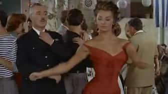. Italiano: Vittorio De Sica e Sofia Loren nel film 'Pane amore e...', film del 1955 di Dino Risi. Scena in cui ballano il Mambo. 30 May 2011. IlSistemone 68 PaneamoreESofiaeVittorioMambo