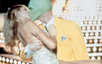 "Jim Carrey e Cameron DIaz in una scena del film ""The Mask"""