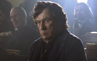 """""""LINCOLN""""  526141  Tommy Lee Jones stars as Republican Representative Thaddeus Stevens in this scene from director Steven Spielberg's drama """"Lincoln"""" from DreamWorks Pictures and Twentieth Century Fox.  ©DreamWorks II Distribution Co., LLC. All Rights Reserved."""