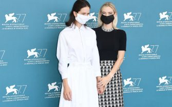 """VENICE, ITALY - SEPTEMBER 06: (L-R) Katherine Waterston and Vanessa Kirby attend the photocall of the movie """"The World To Come"""" at the 77th Venice Film Festival on September 06, 2020 in Venice, Italy. (Photo by Daniele Venturelli/WireImage,)"""