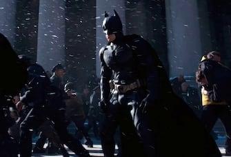 Le prime immagini di Anne Hathaway nei panni di Catwoman in 'Batman - The Dark Knight Rises' . Nella foto, Christian Bale. (Warner Bros. / IPA/Fotogramma,  - 2011-12-21) p.s. la foto e' utilizzabile nel rispetto del contesto in cui e' stata scattata, e senza intento diffamatorio del decoro delle persone rappresentate