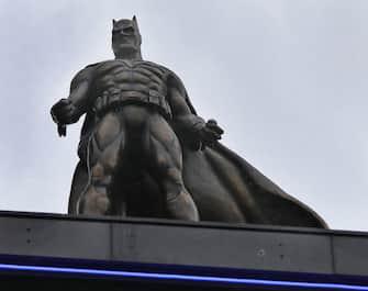 A statue of Batman, one of eight that form the Scenes In The Square statue trail in Leicester Square, London. (Luciana Guerra / IPA/Fotogramma, London - 2020-02-28) p.s. la foto e' utilizzabile nel rispetto del contesto in cui e' stata scattata, e senza intento diffamatorio del decoro delle persone rappresentate