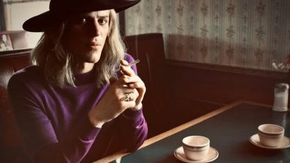 Stardust: come David Bowie divenne Ziggy, alieno androgino