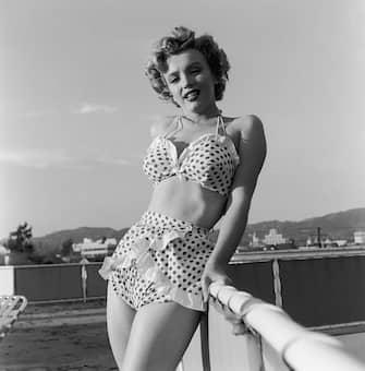 American actress Marilyn Monroe (1926 - 1962) wearing a polka dot bikini, circa 1951. (Photo by Archive Photos/Getty Images)