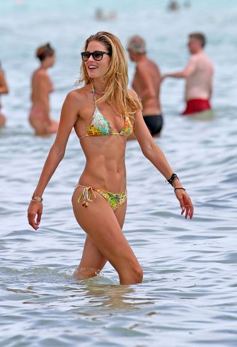 MIAMI, FL - AUGUST 16:  Doutzen Kroes is seen on August 16, 2012 in Miami, Florida.  (Photo by Bauer-Griffin/GC Images)