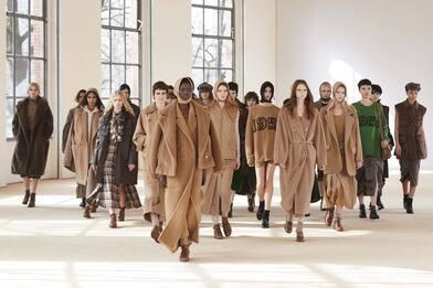 Milano Fashion Week, la collezione autunno inverno 2021 di Max Mara