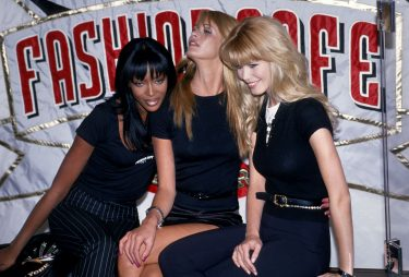NEW YORK, NY - CIRCA 1995: Naomi Campbell, Elle Macpherson and Claudia Schiffer attend the Grand Opening of The Fashion Cafe circa 1995 in New York City. (Photo by PL Gould/IMAGES/Getty Images)