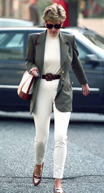 London, England  October 15,1994. Princess Diana shopping in Knightsbridge. (Photo by Tom Wargacki/WireImage)