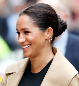 LONDON, UNITED KINGDOM - JANUARY 10: (EMBARGOED FOR PUBLICATION IN UK NEWSPAPERS UNTIL 24 HOURS AFTER CREATE DATE AND TIME) Meghan, Duchess of Sussex visits Smart Works on January 10, 2019 in London, England. Kensington Palace announced today that The Duchess of Sussex has become Royal Patron of four organisations including Smart Works, The National Theatre, The Association of Commonwealth Universities (ACU) and Mayhew. (Photo by Max Mumby/Indigo/Getty Images)