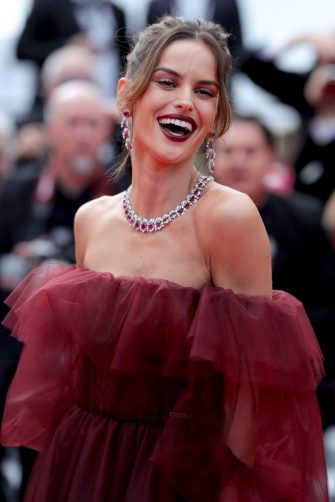 """CANNES, FRANCE - MAY 22: Izabel Goulart attends the screening of """"Oh Mercy! (Roubaix, une Lumiere)"""" during the 72nd annual Cannes Film Festival on May 22, 2019 in Cannes, France. (Photo by Andreas Rentz/Getty Images)"""
