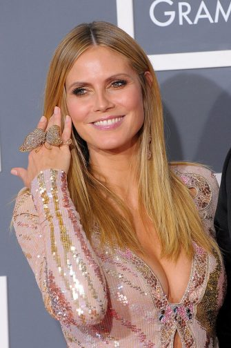 LOS ANGELES, CA - JANUARY 31:  Tv Personality Heidi Klum arrives at the 52nd Annual GRAMMY Awards held at Staples Center on January 31, 2010 in Los Angeles, California.  (Photo by Jason Merritt/Getty Images)