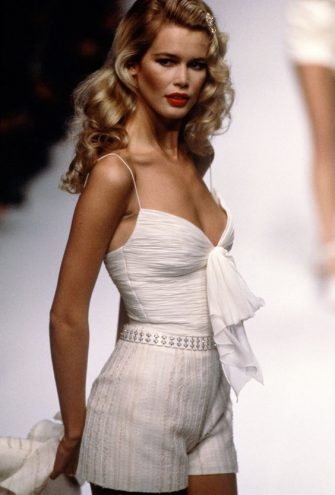 PARIS, FRANCE - CIRCA 1994: Claudia Schiffer at the Valentino Spring 1995 show circa 1994 in Paris, France. (Photo by Images Press/IMAGES/Getty Images)