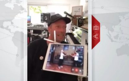 "Chris Martin canta con i gemelli Mirko e Valerio ""Viva la Vida"". VIDEO"
