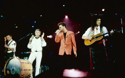 Queen, su YouTube il concerto tributo a Freddie Mercury per l'OMS
