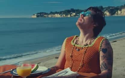 """Harry Styles: fuori il video del nuovo singolo """"Watermelon Sugar"""""""