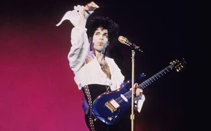 """Prince, all'asta la sua iconica chitarra """"Blue Angel"""""""
