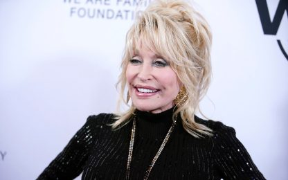 """Dolly Parton e la sua canzone """"contro"""" il coronavirus"""