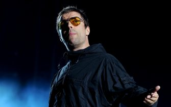 MANCHESTER, ENGLAND - AUGUST 18:  Liam Gallagher performs at Emirates Old Trafford on August 18, 2018 in Manchester, England.  (Photo by Shirlaine Forrest/WireImage)